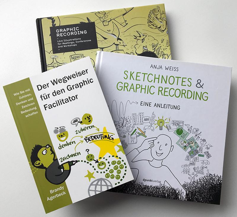 Drei Bücher zum Thema Graphic Recording. Foto: Janne Klöpper